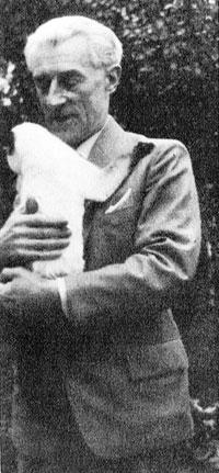 Maurice Ravel y su gato