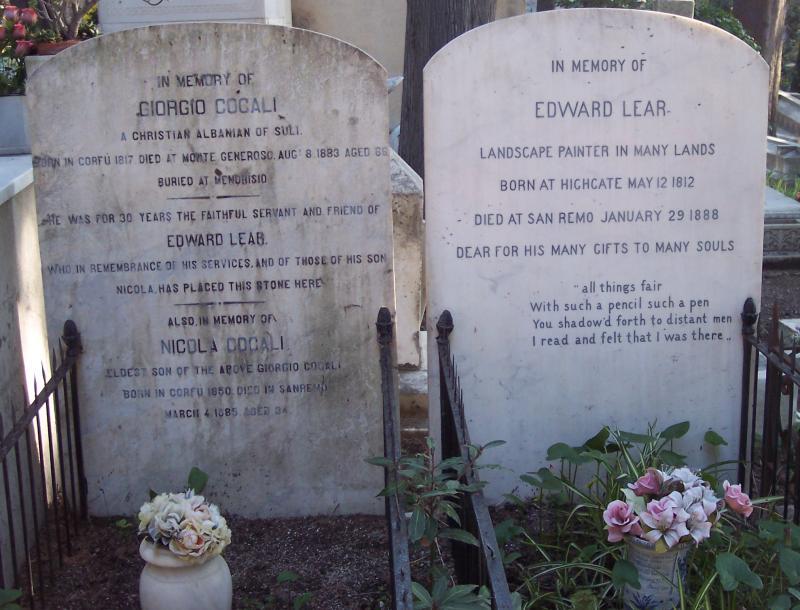 Tumbas de Lear y de Giorgio Cocali, su fiel criado durante 30 años