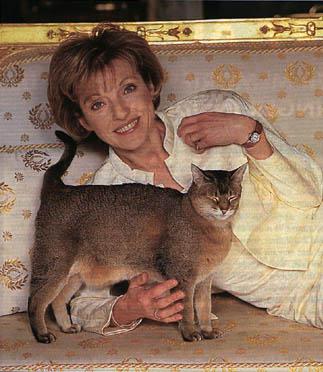 Mary Austin con un gato