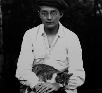 Dmitri Shostakovich con gato