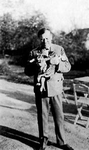 El pintor en su jardín de Tatra en 1920