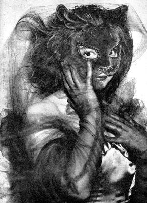 Leonor Fini disfrazada de gato (1946)