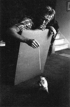 James Dean jugando con Marcus