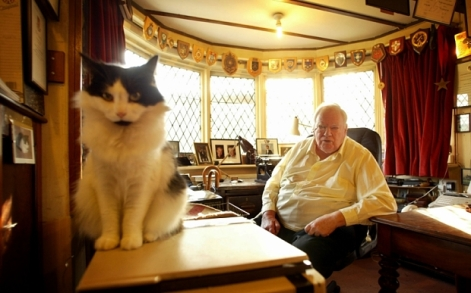 Mandatory Credit: Photo by David Sandison/The Independe/REX Shutterstock (2410584a) Patrick Moore in his home in Selsey.. 14/2/2005 Patrick Moore in his home in Selsey. . 14/2/2005