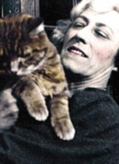 Su madre Gertrude con Rufus