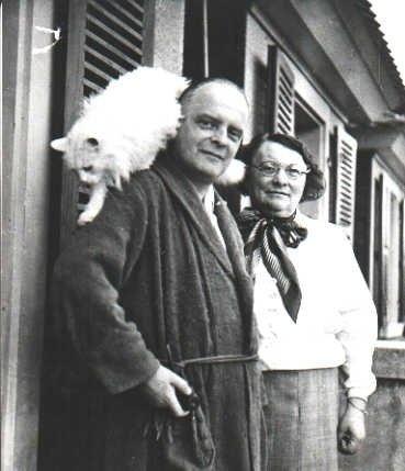 Paul Klee, su esposa Lily y Bimbo en Berna (1935)