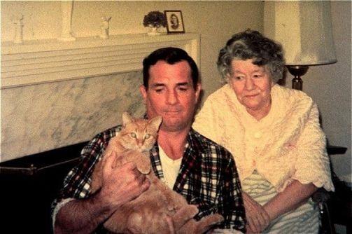 Jack Kerouac, su gato y su madre