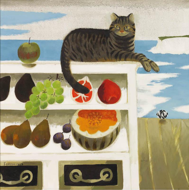 gato en estanteria