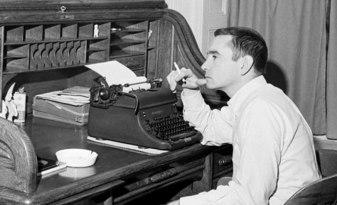 edward_albee_writing_new_york_corbis_be061295_lqhh1x