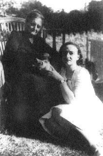 Araceli y su madre, años cuarenta, París