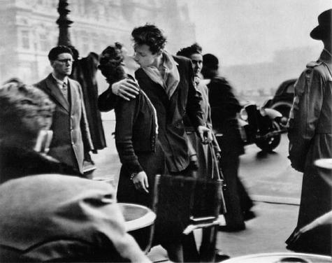El beso ante el Ayuntamiento